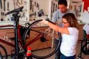 Manutenção e conserto de bicicleta