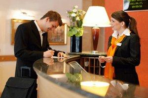 Operações em Receção de Hotel
